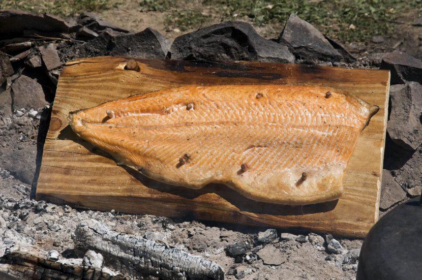 Lachs von der Planke Flammlachs